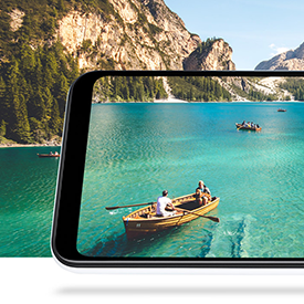 Samsung Galaxy A20e, rowing boat on water coming through the screen